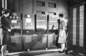 Computadora ENIAC. Fotografía es de la armada de los Estados Unidos (U.S. Army Photo) - Electrónica Unicrom
